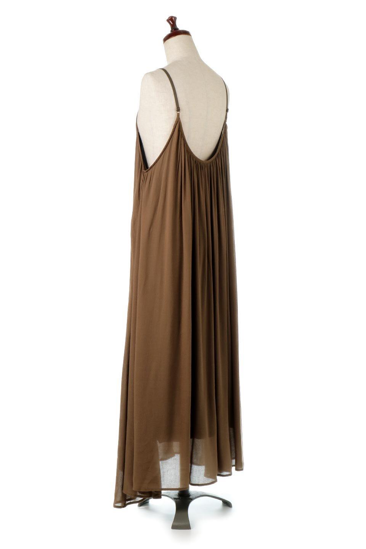 BackGatheredLongCamiDressバックギャザー・キャミマキシワンピース大人カジュアルに最適な海外ファッションのothers(その他インポートアイテム)のワンピースやマキシワンピース。柔らかく軽やかで涼しげな大人のためのサマードレス。ポイントのバックデザインがシンプルながら存在感あるマキシワンピ。/main-8