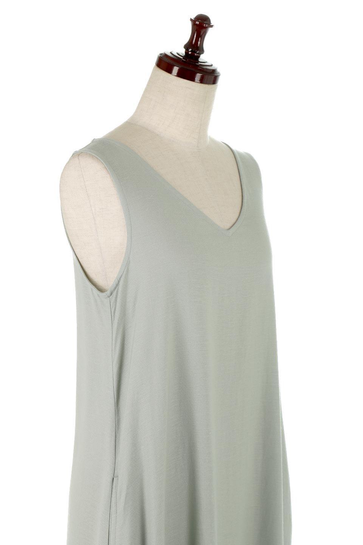 BlockHemSleevelessDressノースリーブ・フレアーワンピース大人カジュアルに最適な海外ファッションのothers(その他インポートアイテム)のワンピースやマキシワンピース。歩くたびに可愛く揺れるフレアーな裾で大人可愛いが完成するマキシワンピ。ゆとりのあるIラインのフォルムに立体的に切り替えを入れ動きが出るシルエット。/main-10