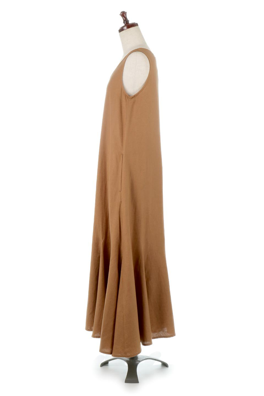 BlockHemSleevelessDressノースリーブ・フレアーワンピース大人カジュアルに最適な海外ファッションのothers(その他インポートアイテム)のワンピースやマキシワンピース。歩くたびに可愛く揺れるフレアーな裾で大人可愛いが完成するマキシワンピ。ゆとりのあるIラインのフォルムに立体的に切り替えを入れ動きが出るシルエット。/main-7