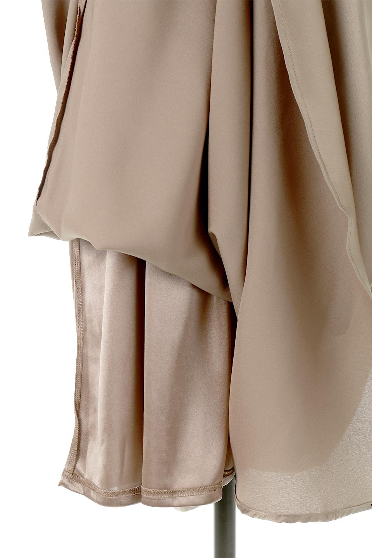 BackGatheredLongSatinDressバックギャザー・サテンキャミワンピース大人カジュアルに最適な海外ファッションのothers(その他インポートアイテム)のワンピースやマキシワンピース。なめらかな光沢が美しいサテン生地のマキシワンピース。膝丈の裏地付きでまとわりつきを軽減。/main-15