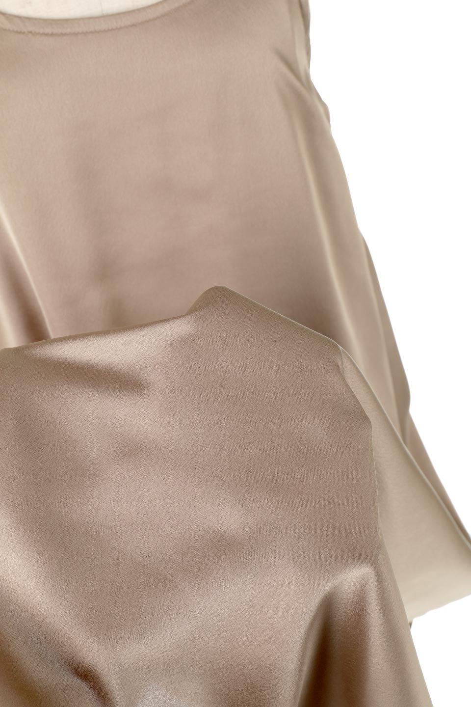 BackGatheredLongSatinDressバックギャザー・サテンキャミワンピース大人カジュアルに最適な海外ファッションのothers(その他インポートアイテム)のワンピースやマキシワンピース。なめらかな光沢が美しいサテン生地のマキシワンピース。膝丈の裏地付きでまとわりつきを軽減。/main-16