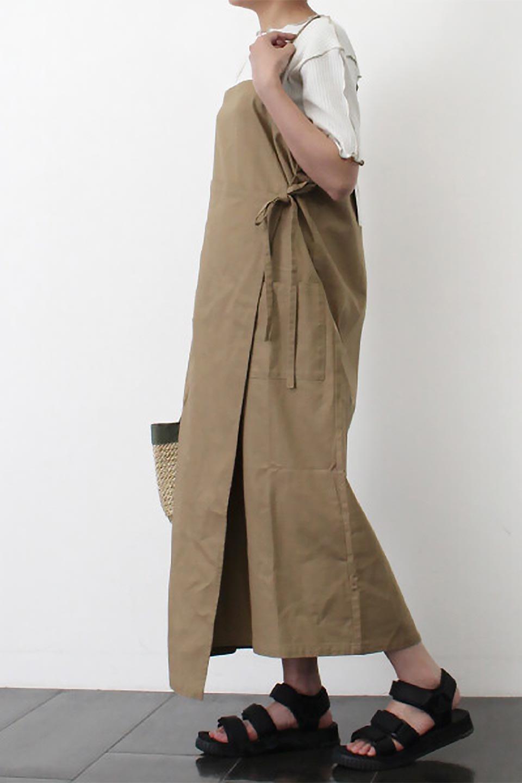 CottonWrapLongDressコットンツイル・ラップワンピース大人カジュアルに最適な海外ファッションのothers(その他インポートアイテム)のワンピースやマキシワンピース。ナチュラルなコットン素材の風合いを生かしたポケット付きのワンピース。ラップ部分がエプロン風で、おしゃれなカフェのスタッフさんのような雰囲気もあります。/main-26