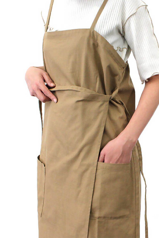 CottonWrapLongDressコットンツイル・ラップワンピース大人カジュアルに最適な海外ファッションのothers(その他インポートアイテム)のワンピースやマキシワンピース。ナチュラルなコットン素材の風合いを生かしたポケット付きのワンピース。ラップ部分がエプロン風で、おしゃれなカフェのスタッフさんのような雰囲気もあります。/main-28