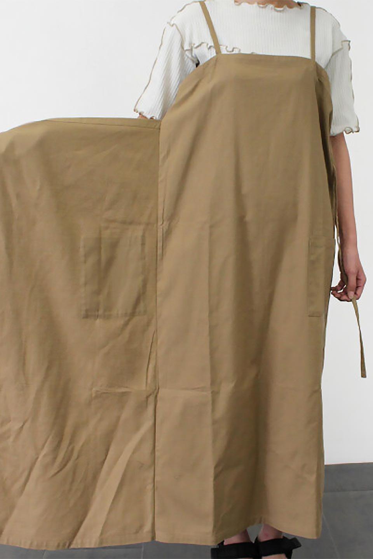 CottonWrapLongDressコットンツイル・ラップワンピース大人カジュアルに最適な海外ファッションのothers(その他インポートアイテム)のワンピースやマキシワンピース。ナチュラルなコットン素材の風合いを生かしたポケット付きのワンピース。ラップ部分がエプロン風で、おしゃれなカフェのスタッフさんのような雰囲気もあります。/main-29