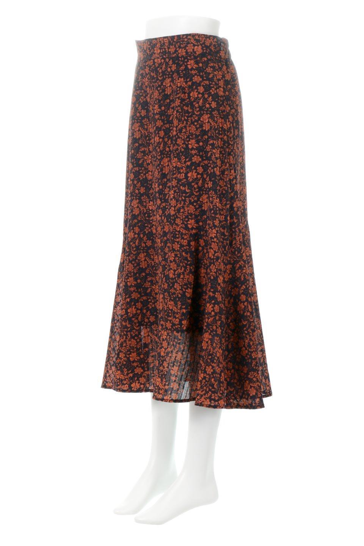 FloralPrintedMermaidSkirt花柄切り替え・マーメイドスカート大人カジュアルに最適な海外ファッションのothers(その他インポートアイテム)のボトムやスカート。エレガントで女性らしいマーメイドラインの花柄スカート。全体的にIラインながら途中から切り替えが入っており、裾部分はフレアに。/main-1