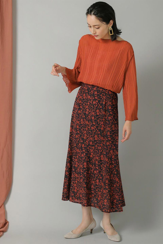 FloralPrintedMermaidSkirt花柄切り替え・マーメイドスカート大人カジュアルに最適な海外ファッションのothers(その他インポートアイテム)のボトムやスカート。エレガントで女性らしいマーメイドラインの花柄スカート。全体的にIラインながら途中から切り替えが入っており、裾部分はフレアに。/main-13