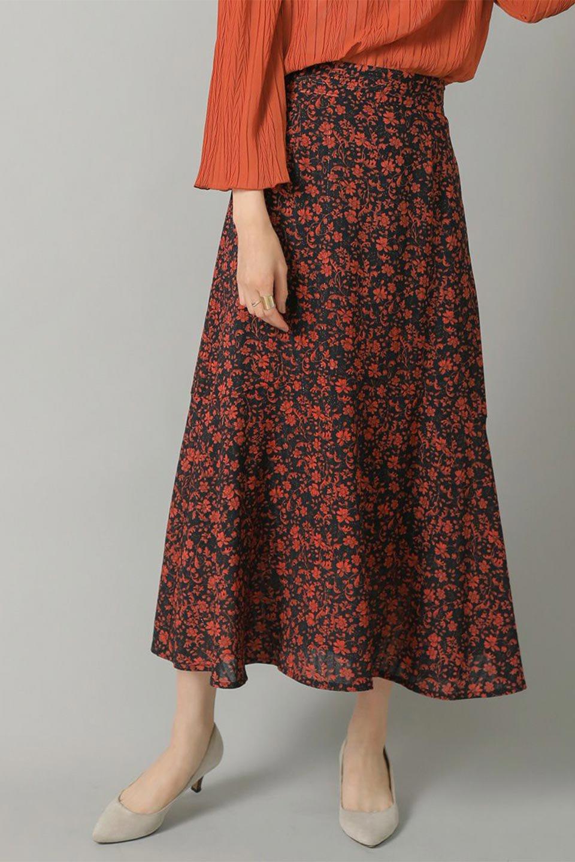 FloralPrintedMermaidSkirt花柄切り替え・マーメイドスカート大人カジュアルに最適な海外ファッションのothers(その他インポートアイテム)のボトムやスカート。エレガントで女性らしいマーメイドラインの花柄スカート。全体的にIラインながら途中から切り替えが入っており、裾部分はフレアに。/main-18