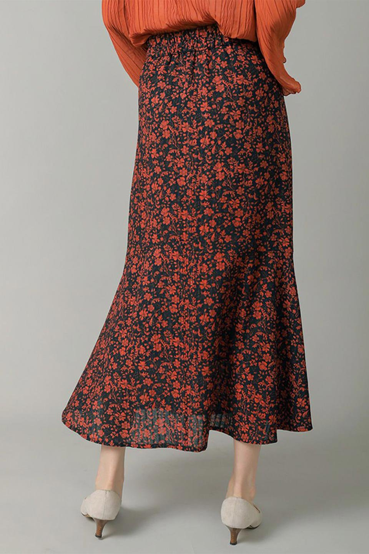 FloralPrintedMermaidSkirt花柄切り替え・マーメイドスカート大人カジュアルに最適な海外ファッションのothers(その他インポートアイテム)のボトムやスカート。エレガントで女性らしいマーメイドラインの花柄スカート。全体的にIラインながら途中から切り替えが入っており、裾部分はフレアに。/main-19