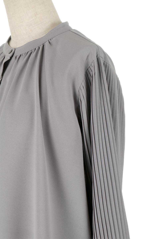 PleatedSleeveCollar-lessBlouseプリーツスリーブ・カラーレスブラウス大人カジュアルに最適な海外ファッションのothers(その他インポートアイテム)のトップスやシャツ・ブラウス。とろみのあるジョーゼット生地を用いたカラーレスブラウス。袖口がふんわりバルーン風のシルエットになっています。/main-11