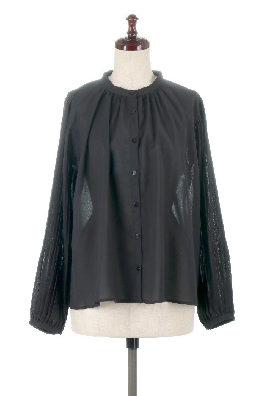 PleatedSleeveCollar-lessBlouseプリーツスリーブ・カラーレスブラウス大人カジュアルに最適な海外ファッションのothers(その他インポートアイテム)のトップスやシャツ・ブラウス。とろみのあるジョーゼット生地を用いたカラーレスブラウス。袖口がふんわりバルーン風のシルエットになっています。/main-5