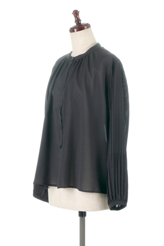 PleatedSleeveCollar-lessBlouseプリーツスリーブ・カラーレスブラウス大人カジュアルに最適な海外ファッションのothers(その他インポートアイテム)のトップスやシャツ・ブラウス。とろみのあるジョーゼット生地を用いたカラーレスブラウス。袖口がふんわりバルーン風のシルエットになっています。/main-6