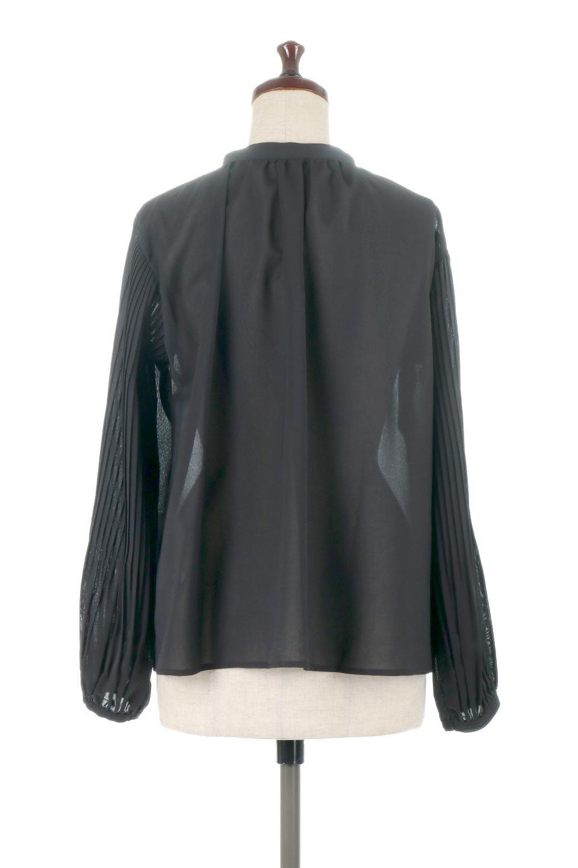 PleatedSleeveCollar-lessBlouseプリーツスリーブ・カラーレスブラウス大人カジュアルに最適な海外ファッションのothers(その他インポートアイテム)のトップスやシャツ・ブラウス。とろみのあるジョーゼット生地を用いたカラーレスブラウス。袖口がふんわりバルーン風のシルエットになっています。/main-9