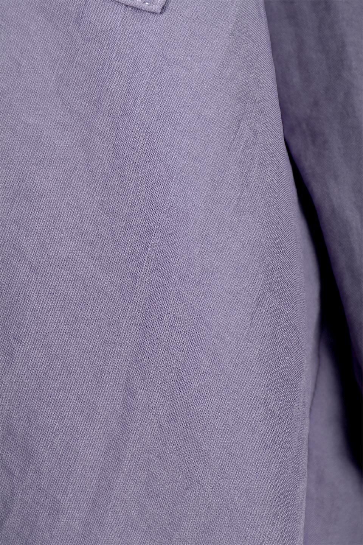 SkipperCollarBigPocketBlouseスカーフ付き・スキッパーブラウス大人カジュアルに最適な海外ファッションのothers(その他インポートアイテム)のトップスやシャツ・ブラウス。シルクのようなさらっとした手触りの生地を用いたシャツブラウス。オーバーサイズでお尻まですっぽりと隠れる丈感となっていますが、首元のV開きにより顔まわりはスッキリ見え、抜け感が出て◎スタイリングのポイントとして取り入れやすい、レオパード柄スカーフ付き。/main-26