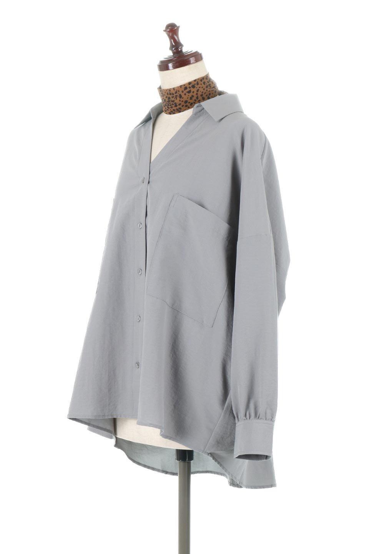 SkipperCollarBigPocketBlouseスカーフ付き・スキッパーブラウス大人カジュアルに最適な海外ファッションのothers(その他インポートアイテム)のトップスやシャツ・ブラウス。シルクのようなさらっとした手触りの生地を用いたシャツブラウス。オーバーサイズでお尻まですっぽりと隠れる丈感となっていますが、首元のV開きにより顔まわりはスッキリ見え、抜け感が出て◎スタイリングのポイントとして取り入れやすい、レオパード柄スカーフ付き。/main-9