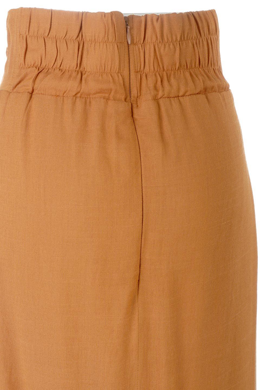 TwistedWaistNarrowSkirtツイストベルト・ナロースカート大人カジュアルに最適な海外ファッションのothers(その他インポートアイテム)のボトムやスカート。表面が凸凹しているので触り心地が少しざらつきがあるスラブ生地を用いたスカート。リボンを結んだようなウエストデザインがあるので、無地Tやシンプルなトップスと合わしてもこなれ感が出ます。/main-18