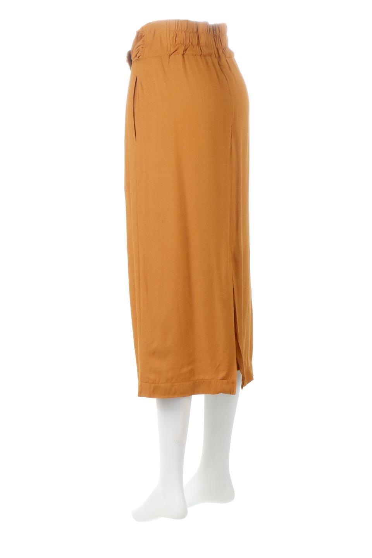 TwistedWaistNarrowSkirtツイストベルト・ナロースカート大人カジュアルに最適な海外ファッションのothers(その他インポートアイテム)のボトムやスカート。表面が凸凹しているので触り心地が少しざらつきがあるスラブ生地を用いたスカート。リボンを結んだようなウエストデザインがあるので、無地Tやシンプルなトップスと合わしてもこなれ感が出ます。/main-8