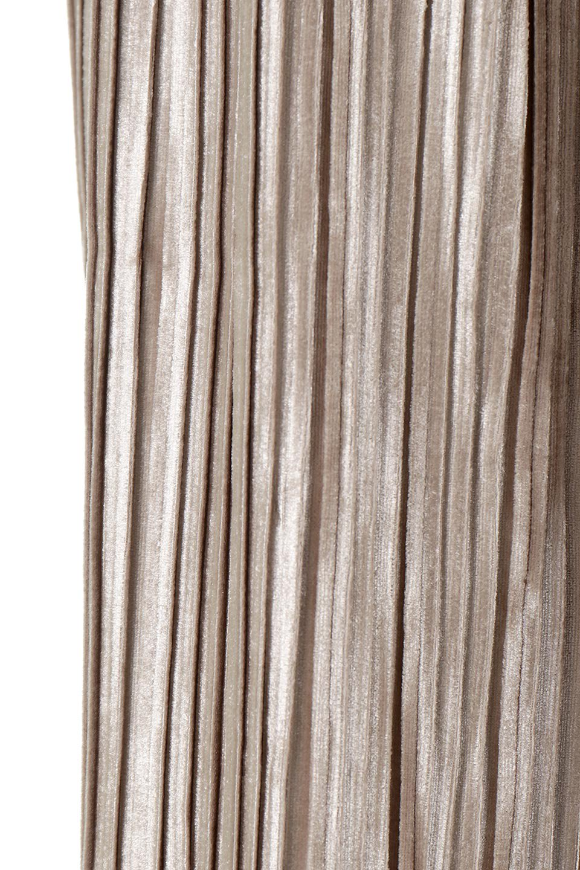 PleatedVelourLongSkirtプリーツ・ベロアスカート大人カジュアルに最適な海外ファッションのothers(その他インポートアイテム)のボトムやスカート。ベロア地をプリーツ加工したロングスカート。たっぷりギャザーを寄せてあるので重量感があり、ストンとした落ち感です。/main-13