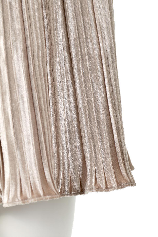 PleatedVelourLongSkirtプリーツ・ベロアスカート大人カジュアルに最適な海外ファッションのothers(その他インポートアイテム)のボトムやスカート。ベロア地をプリーツ加工したロングスカート。たっぷりギャザーを寄せてあるので重量感があり、ストンとした落ち感です。/main-14