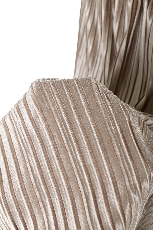 PleatedVelourLongSkirtプリーツ・ベロアスカート大人カジュアルに最適な海外ファッションのothers(その他インポートアイテム)のボトムやスカート。ベロア地をプリーツ加工したロングスカート。たっぷりギャザーを寄せてあるので重量感があり、ストンとした落ち感です。/main-16