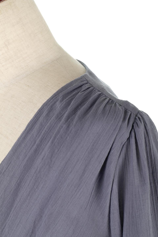 WaistShapedCrossoverLongDressウエストシェイプ・カシュクールワンピース大人カジュアルに最適な海外ファッションのothers(その他インポートアイテム)のワンピースやマキシワンピース。シボが特徴のさらっとした肌触りの生地を用いたワンピース。ウエストがキュッと締まっており、裾にかけてフレアーなシルエットが魅力。/main-11