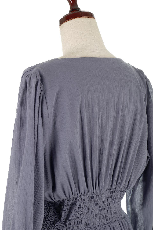 WaistShapedCrossoverLongDressウエストシェイプ・カシュクールワンピース大人カジュアルに最適な海外ファッションのothers(その他インポートアイテム)のワンピースやマキシワンピース。シボが特徴のさらっとした肌触りの生地を用いたワンピース。ウエストがキュッと締まっており、裾にかけてフレアーなシルエットが魅力。/main-13