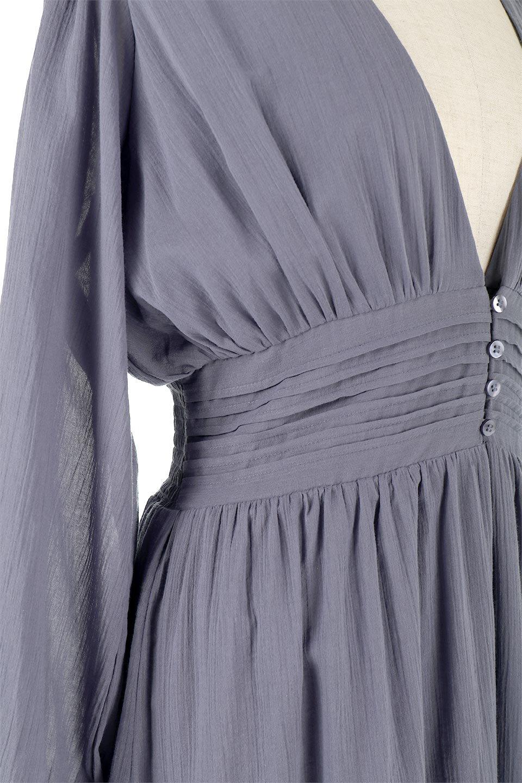 WaistShapedCrossoverLongDressウエストシェイプ・カシュクールワンピース大人カジュアルに最適な海外ファッションのothers(その他インポートアイテム)のワンピースやマキシワンピース。シボが特徴のさらっとした肌触りの生地を用いたワンピース。ウエストがキュッと締まっており、裾にかけてフレアーなシルエットが魅力。/main-14