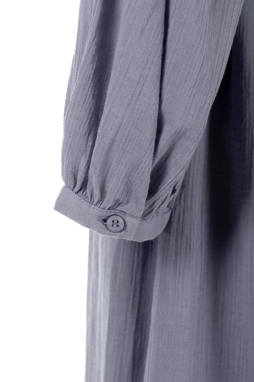 WaistShapedCrossoverLongDressウエストシェイプ・カシュクールワンピース大人カジュアルに最適な海外ファッションのothers(その他インポートアイテム)のワンピースやマキシワンピース。シボが特徴のさらっとした肌触りの生地を用いたワンピース。ウエストがキュッと締まっており、裾にかけてフレアーなシルエットが魅力。/main-18