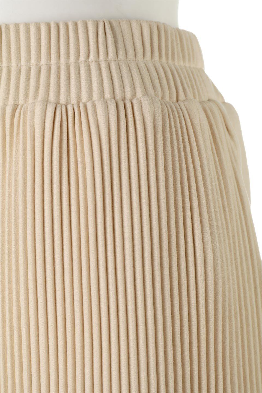 PleatedSemiFlarePantsプリーツ・セミフレアパンツ大人カジュアルに最適な海外ファッションのothers(その他インポートアイテム)のボトムやパンツ。中厚手のしっかりとしたダブルフェイス生地に、細かいプリーツが施されたセミフレアパンツです。膝から裾にかけてやや広がりのあるシルエットとなっています。/main-12