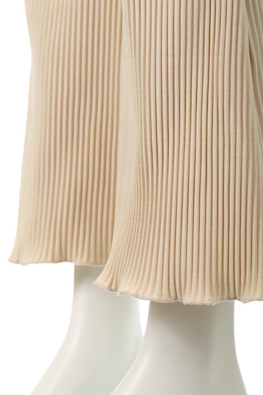 PleatedSemiFlarePantsプリーツ・セミフレアパンツ大人カジュアルに最適な海外ファッションのothers(その他インポートアイテム)のボトムやパンツ。中厚手のしっかりとしたダブルフェイス生地に、細かいプリーツが施されたセミフレアパンツです。膝から裾にかけてやや広がりのあるシルエットとなっています。/main-14