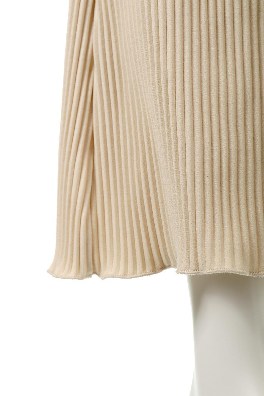 PleatedSemiFlarePantsプリーツ・セミフレアパンツ大人カジュアルに最適な海外ファッションのothers(その他インポートアイテム)のボトムやパンツ。中厚手のしっかりとしたダブルフェイス生地に、細かいプリーツが施されたセミフレアパンツです。膝から裾にかけてやや広がりのあるシルエットとなっています。/main-17