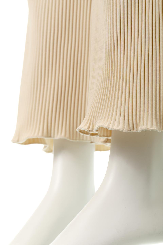 PleatedSemiFlarePantsプリーツ・セミフレアパンツ大人カジュアルに最適な海外ファッションのothers(その他インポートアイテム)のボトムやパンツ。中厚手のしっかりとしたダブルフェイス生地に、細かいプリーツが施されたセミフレアパンツです。膝から裾にかけてやや広がりのあるシルエットとなっています。/main-18