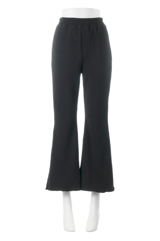 PleatedSemiFlarePantsプリーツ・セミフレアパンツ大人カジュアルに最適な海外ファッションのothers(その他インポートアイテム)のボトムやパンツ。中厚手のしっかりとしたダブルフェイス生地に、細かいプリーツが施されたセミフレアパンツです。膝から裾にかけてやや広がりのあるシルエットとなっています。/main-5