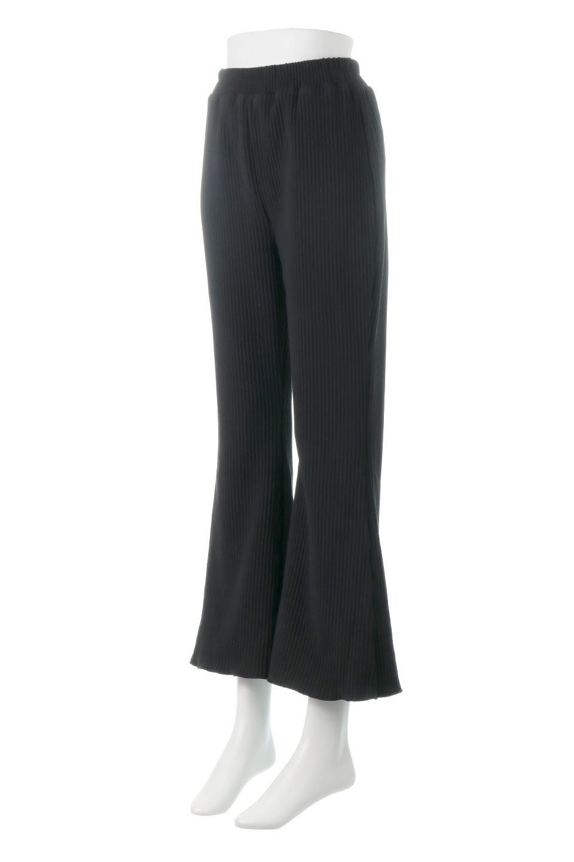 PleatedSemiFlarePantsプリーツ・セミフレアパンツ大人カジュアルに最適な海外ファッションのothers(その他インポートアイテム)のボトムやパンツ。中厚手のしっかりとしたダブルフェイス生地に、細かいプリーツが施されたセミフレアパンツです。膝から裾にかけてやや広がりのあるシルエットとなっています。/main-6