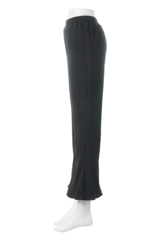 PleatedSemiFlarePantsプリーツ・セミフレアパンツ大人カジュアルに最適な海外ファッションのothers(その他インポートアイテム)のボトムやパンツ。中厚手のしっかりとしたダブルフェイス生地に、細かいプリーツが施されたセミフレアパンツです。膝から裾にかけてやや広がりのあるシルエットとなっています。/main-7