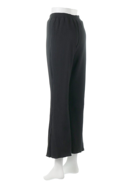 PleatedSemiFlarePantsプリーツ・セミフレアパンツ大人カジュアルに最適な海外ファッションのothers(その他インポートアイテム)のボトムやパンツ。中厚手のしっかりとしたダブルフェイス生地に、細かいプリーツが施されたセミフレアパンツです。膝から裾にかけてやや広がりのあるシルエットとなっています。/main-8