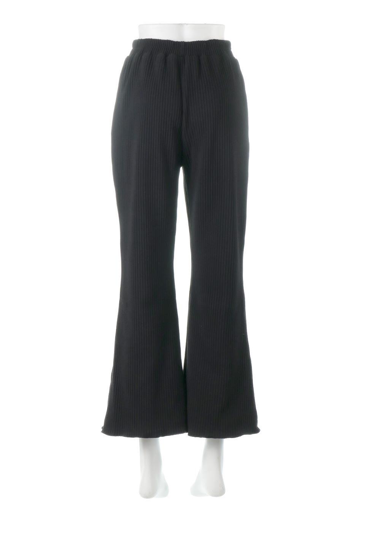 PleatedSemiFlarePantsプリーツ・セミフレアパンツ大人カジュアルに最適な海外ファッションのothers(その他インポートアイテム)のボトムやパンツ。中厚手のしっかりとしたダブルフェイス生地に、細かいプリーツが施されたセミフレアパンツです。膝から裾にかけてやや広がりのあるシルエットとなっています。/main-9