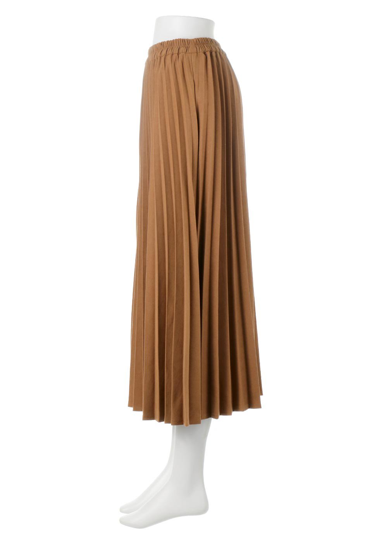 VeganSuedePleatedSkirtビーガンスエード・プリーツスカート大人カジュアルに最適な海外ファッションのothers(その他インポートアイテム)のボトムやスカート。マットな質感が魅力のビーガンスエードを使ったプリーツスカート。ウエストは全体がゴムになっています。/main-2