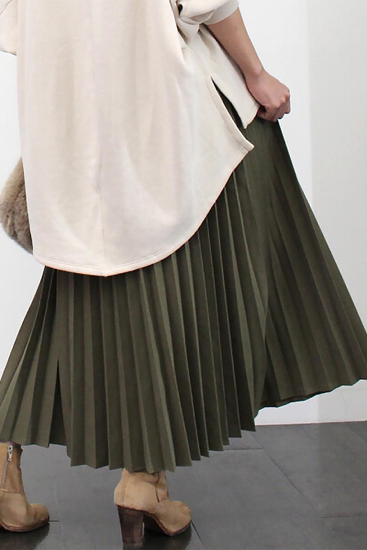 VeganSuedePleatedSkirtビーガンスエード・プリーツスカート大人カジュアルに最適な海外ファッションのothers(その他インポートアイテム)のボトムやスカート。マットな質感が魅力のビーガンスエードを使ったプリーツスカート。ウエストは全体がゴムになっています。/main-25