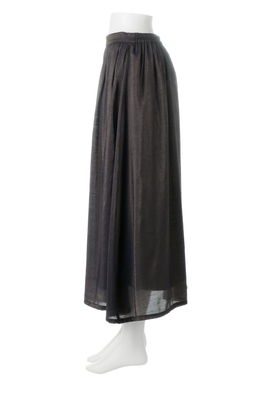 GatheredFlareShinnySkirtシャイニーポプリン・ギャザーフレアースカート大人カジュアルに最適な海外ファッションのothers(その他インポートアイテム)のボトムやスカート。上品な光沢がエレガントなロングフレアスカート。秋冬に合わせやすいロング丈で、それに合わせて裏地も長め。/main-12