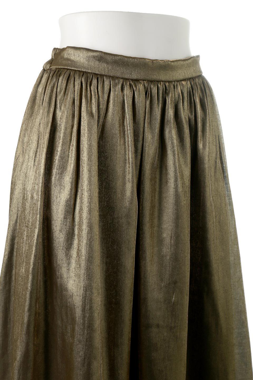 GatheredFlareShinnySkirtシャイニーポプリン・ギャザーフレアースカート大人カジュアルに最適な海外ファッションのothers(その他インポートアイテム)のボトムやスカート。上品な光沢がエレガントなロングフレアスカート。秋冬に合わせやすいロング丈で、それに合わせて裏地も長め。/main-15