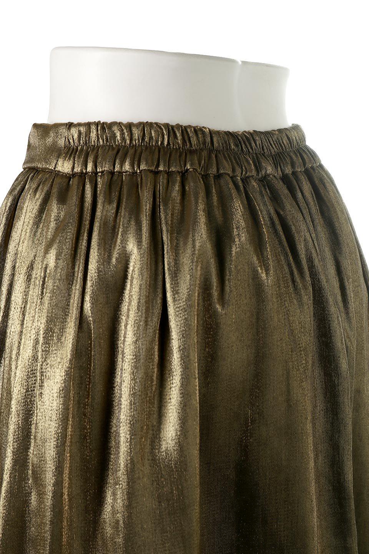 GatheredFlareShinnySkirtシャイニーポプリン・ギャザーフレアースカート大人カジュアルに最適な海外ファッションのothers(その他インポートアイテム)のボトムやスカート。上品な光沢がエレガントなロングフレアスカート。秋冬に合わせやすいロング丈で、それに合わせて裏地も長め。/main-17