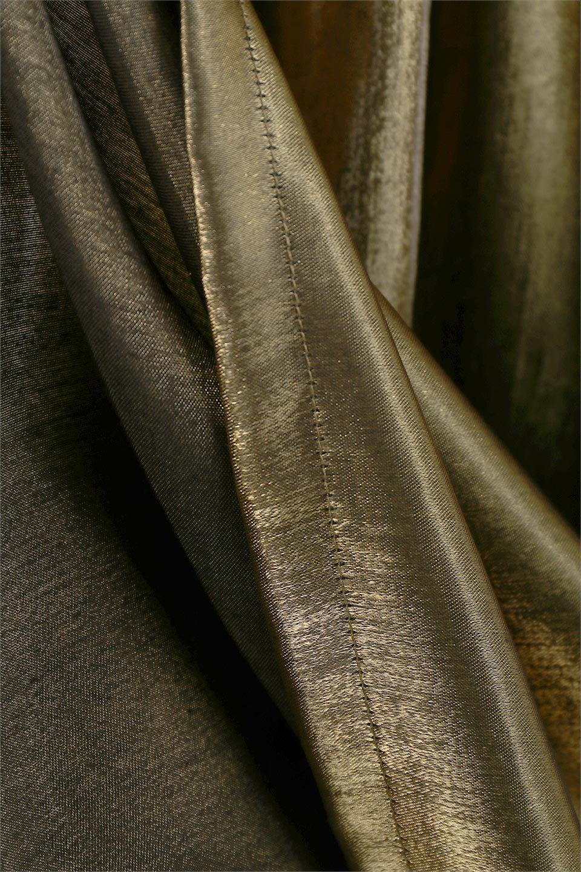 GatheredFlareShinnySkirtシャイニーポプリン・ギャザーフレアースカート大人カジュアルに最適な海外ファッションのothers(その他インポートアイテム)のボトムやスカート。上品な光沢がエレガントなロングフレアスカート。秋冬に合わせやすいロング丈で、それに合わせて裏地も長め。/main-21