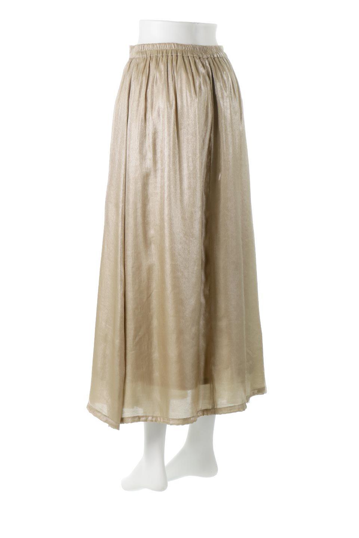 GatheredFlareShinnySkirtシャイニーポプリン・ギャザーフレアースカート大人カジュアルに最適な海外ファッションのothers(その他インポートアイテム)のボトムやスカート。上品な光沢がエレガントなロングフレアスカート。秋冬に合わせやすいロング丈で、それに合わせて裏地も長め。/main-8