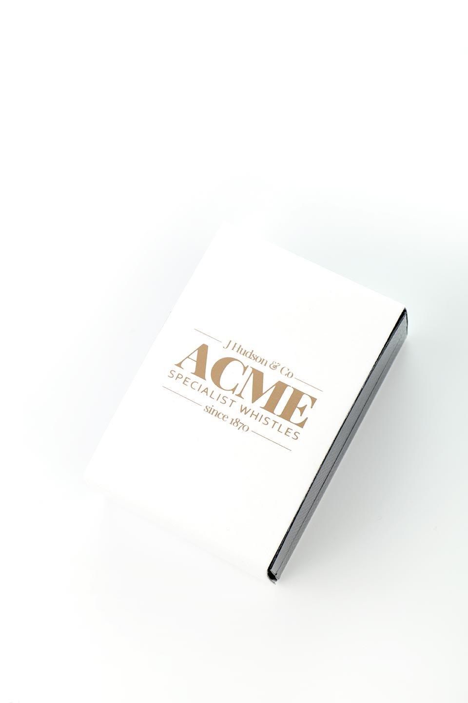 AcmeのAcmeSilentDogWhistle(RoseGold)アクメ社・サイレントドッグホイッスル(ローズゴールド)/ACMEWhistleのドッググッズやその他。1935年以来販売を開始してから世界中のトレーナーに愛され続けているACME社のドッグホイッスル(犬笛)のスペシャル版1マイル(1.5km)先までクリアに響く音色は自分の犬に合わせて周波数を自由に調節で来ます。ピッで止まれ、ピピッで座れ、などワンちゃんとの意思疎通が楽しくなります。/main-1