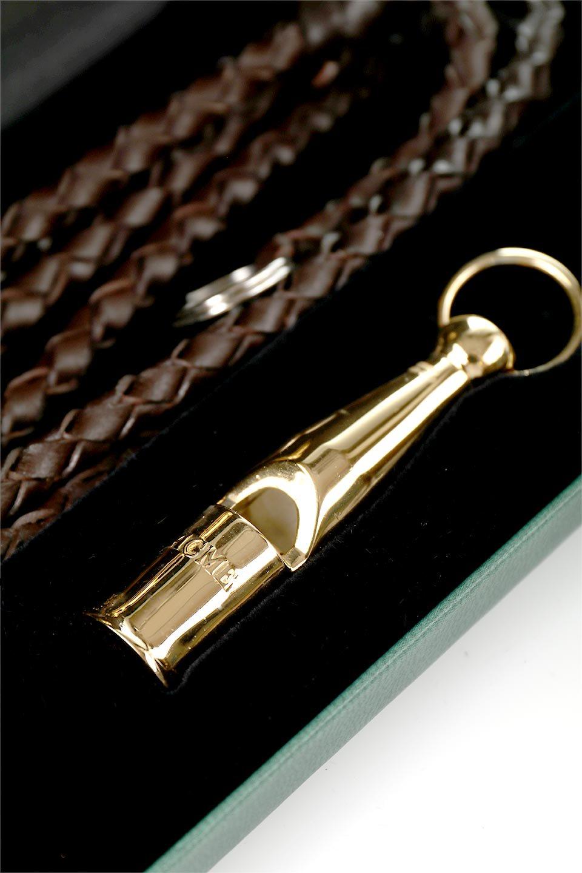 AcmeのAcmeDogWhistleProTrialler(Silver&Gold)アクメ・ドッグホイッスル・プロトライアラー(純銀製&金メッキ)/ACMEWhistleのドッググッズやその他。1935年以来販売を開始してから世界中のトレーナーに愛され続けているACME社のドッグホイッスル(犬笛)の高級プレステージライン。#212は人のにも聞こえるサウンドを備えたオールランダー。/main-7