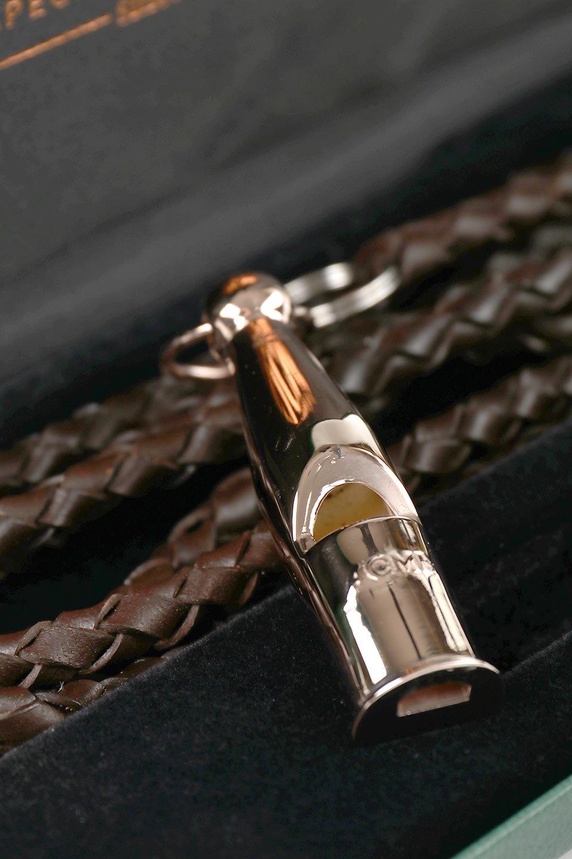 AcmeのAcmeDogWhistleProTrialler(Silver&RoseGold)アクメ・ドッグホイッスル・プロトライアラー(純銀製&ローズゴールドメッキ)/ACMEWhistleのドッググッズやその他。1935年以来販売を開始してから世界中のトレーナーに愛され続けているACME社のドッグホイッスル(犬笛)の高級プレステージライン。#212は人のにも聞こえるサウンドを備えたオールランダー。/main-8
