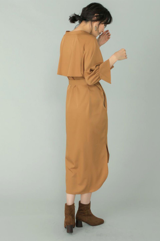 Mid-LengthTrenchDress膝下丈・トレンチワンピース大人カジュアルに最適な海外ファッションのothers(その他インポートアイテム)のワンピースやミディワンピース。毎年人気のトレンチライクなワンピース。BACKスタイルがトレンチコートのようなデザインで、1枚でこなれた印象に仕上がります。/main-20