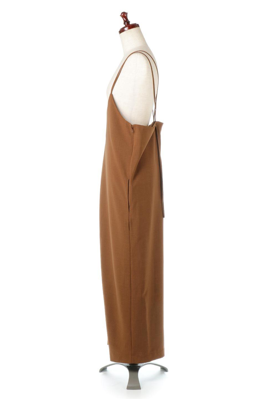 DoubleStrappedWideStyleAll-In-Oneダブルストラップ・ワイドサロペットのボトムやロンパース類。細い2本使いのストラップで、大人っぽく着こなせるサロペット。パンツなのにスカートのように見えるデザインで、ブラウスのような綾織が上品で高見えし、きれいめからカジュアルまで幅広いコーデに対応。/main-1