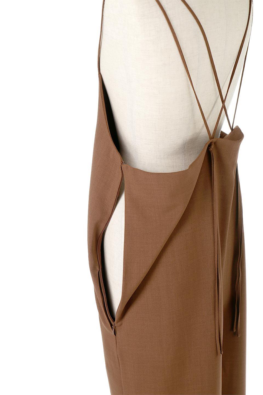 DoubleStrappedWideStyleAll-In-Oneダブルストラップ・ワイドサロペットのボトムやロンパース類。細い2本使いのストラップで、大人っぽく着こなせるサロペット。パンツなのにスカートのように見えるデザインで、ブラウスのような綾織が上品で高見えし、きれいめからカジュアルまで幅広いコーデに対応。/main-17
