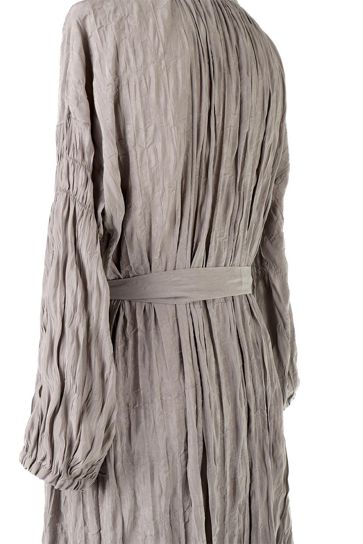WasherSatinLongDressワッシャーサテン・ロングワンピース大人カジュアルに最適な海外ファッションのothers(その他インポートアイテム)のワンピースやマキシワンピース。今年らしいボリューム袖のワンピース。軽くてシワが気にならないので旅行にもぴったり。/main-28